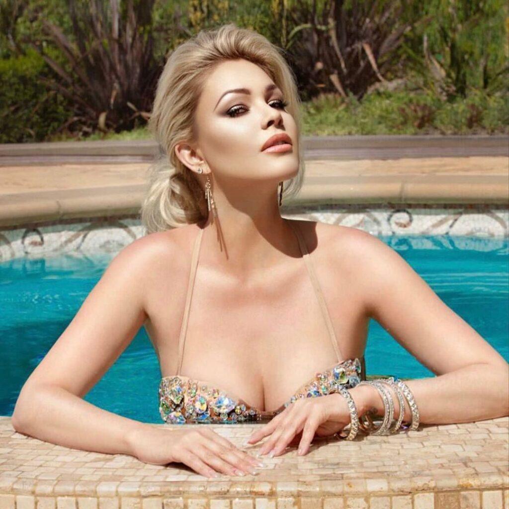 Shanna Barker Bikini