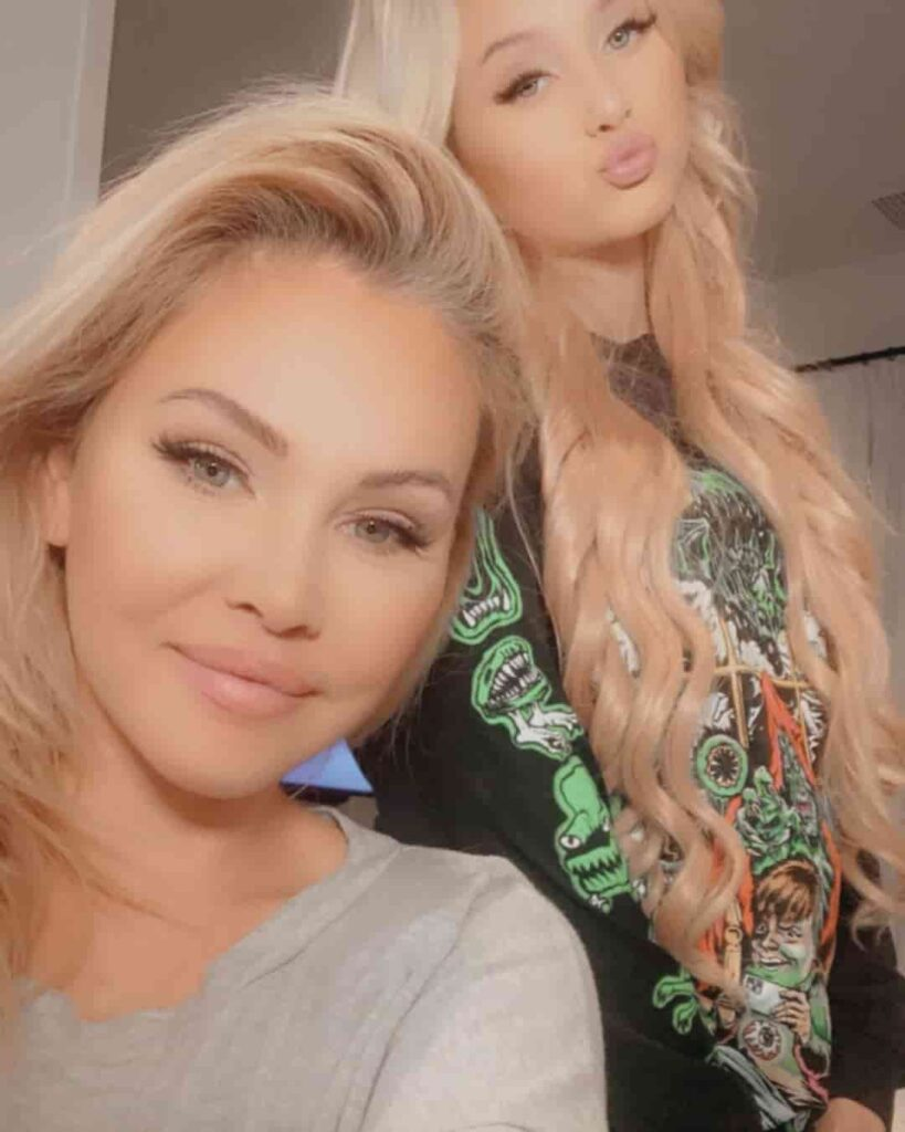 Shanna Moakler with her Daughter